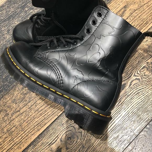 a541aac9919 BAPE x DR MARTENS collection 1460 8 eye boot